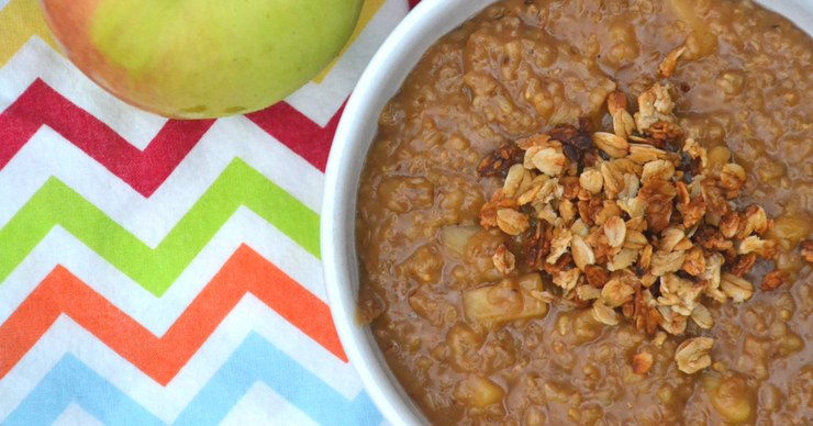 There is nothing quite like a hot bowl of oatmeal on a crisp fall day. Make it even better by turning it into apple crisp steel cut oatmeal with fresh apples and coconut sugar.