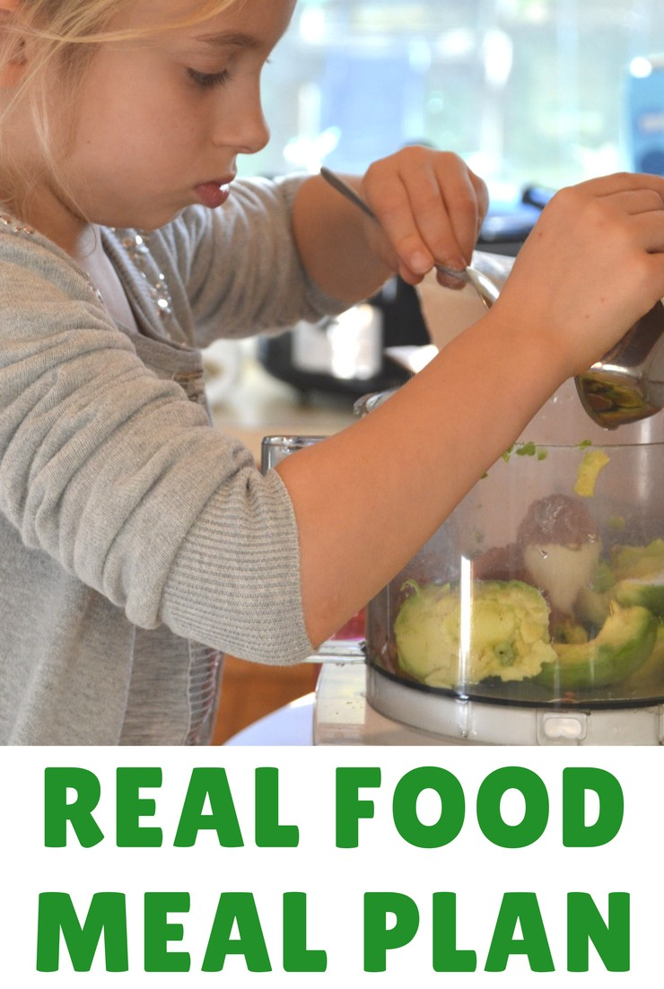 This week's real food meal plan and agenda focus on simple meals and packing. The big move is coming!