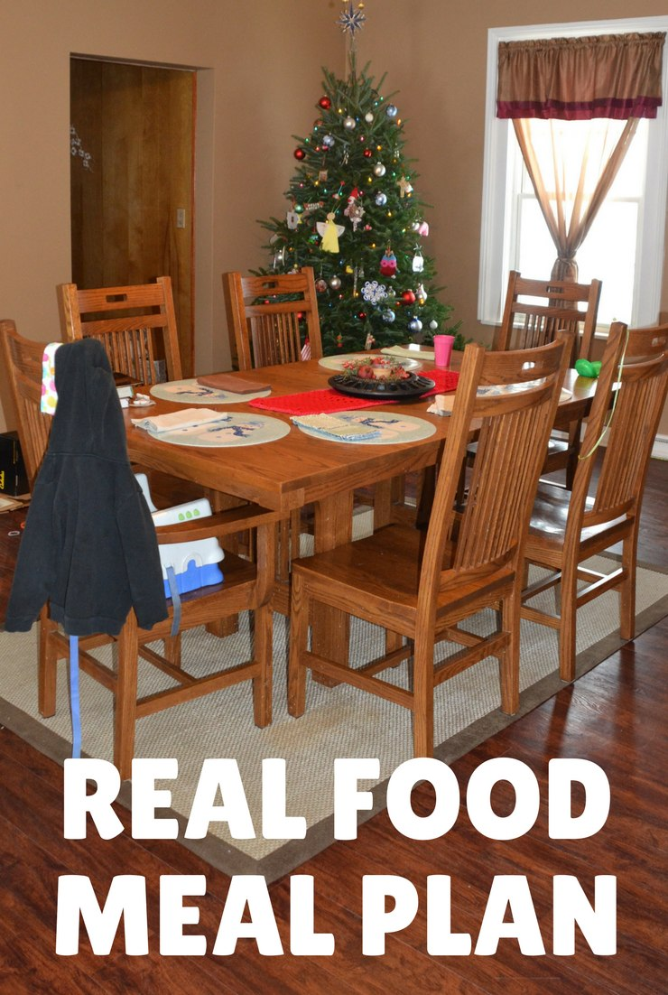 This week's real food meal plan and agenda focus on celebrating Christmas with family and continuing the unpacking process.