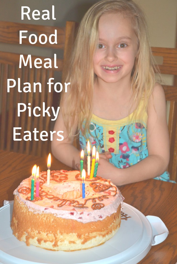 This week's real food meal plan for picky eaters includes ham, waffles and tacos. Plus lots of fun celebrating Easter and a birthday.