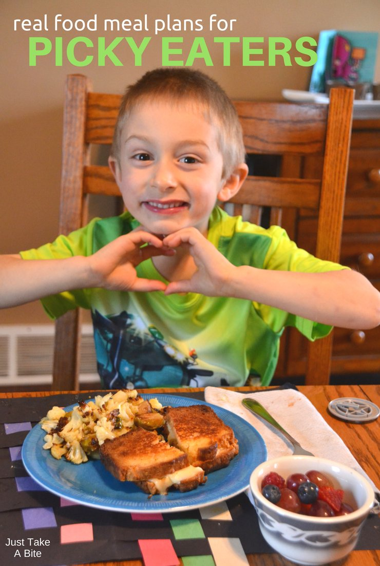 This week's real food meal plan for picky eaters includes sloppy joes, jello and hot dogs...but real food style! But it doesn't require any extra effort. What's on your menu?